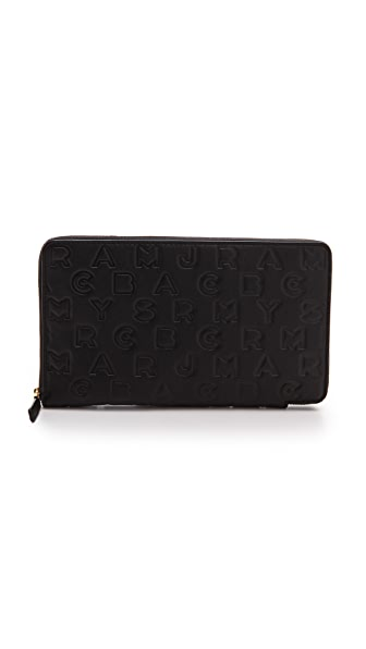 Marc by Marc Jacobs Dreamy Logo Travel Zippy