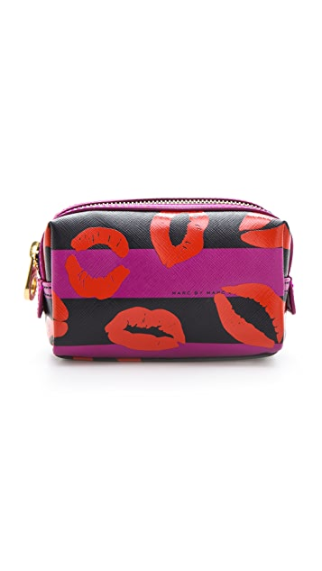 Marc by Marc Jacobs Eazy Pouch Makeup Cosmetic Case