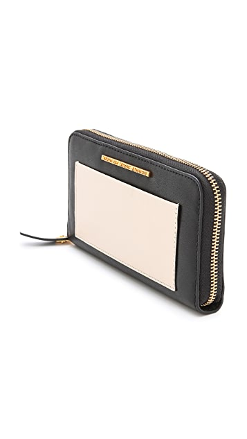 Marc by Marc Jacobs Know When To Fold 'Em Medium Zip Wallet