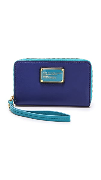Marc by Marc Jacobs Classic Q Colorblocked Wingman Wristlet