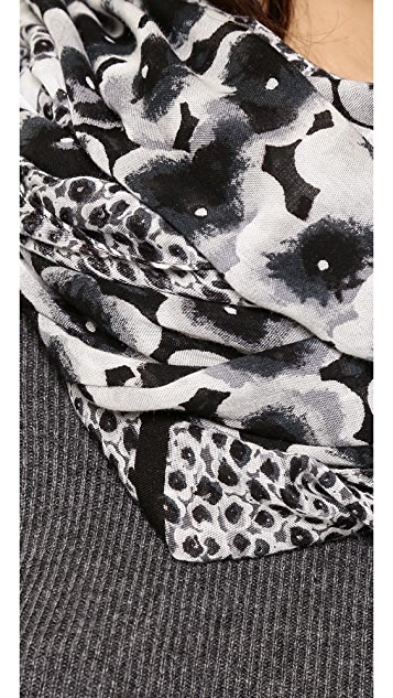 Marc by Marc Jacobs Aki Flower Scarf