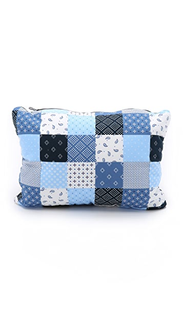Men In Cities Patchwork Convertible Travel Pillow
