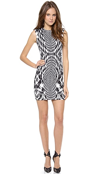 Monique Lhuillier Sleeveless Seamed Dress
