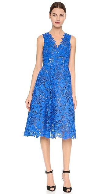 Monique Lhuillier Guipure Tea Length Dress