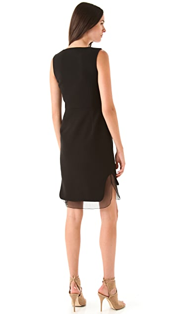 No. 21 Sleeveless Black Dress