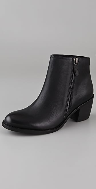 ONE by Matisse Footwear Presley Outside Zip Booties