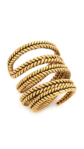 A Peace Treaty Yiizh Spiral Twist Ring