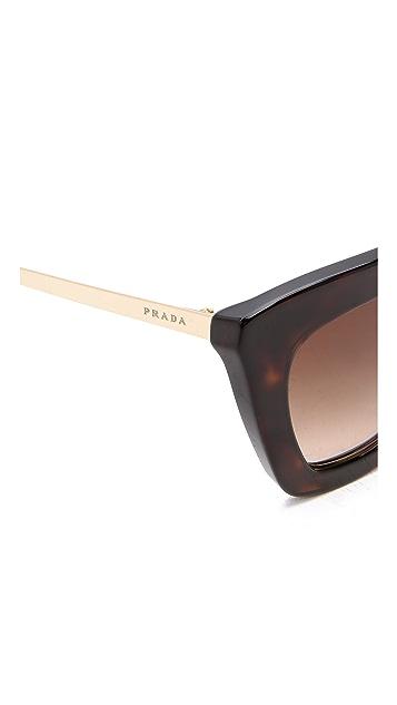 Prada Солнцезащитные очки в толстой оправе