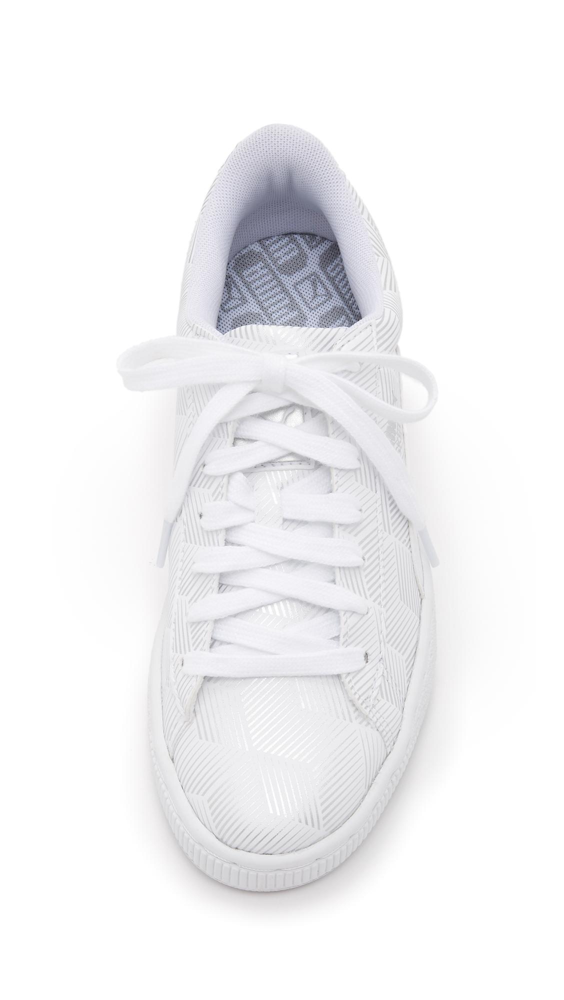 dae41bf87504 PUMA Basket Classic Metallic Sneakers