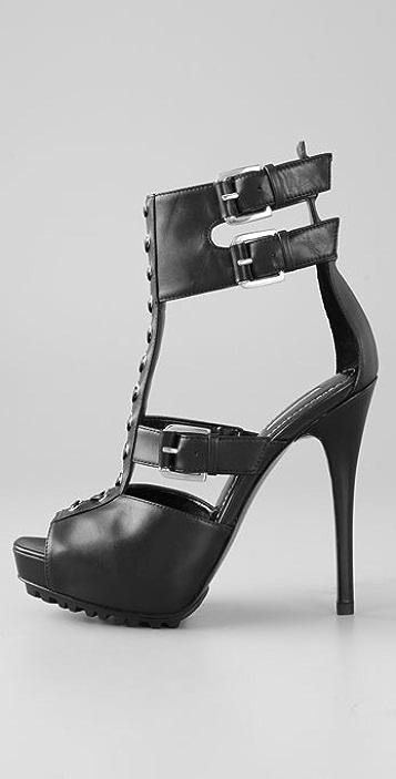 Report Signature Doran Sandals on Lug Sole