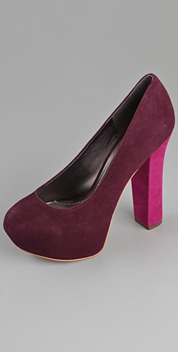 Report Signature Alvahs Suede Pumps
