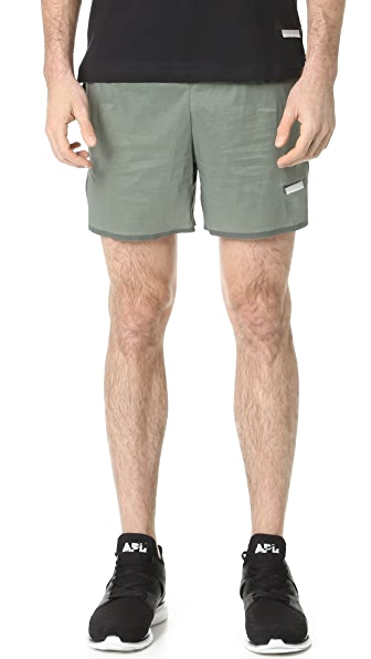 "Satisfy Short Distance 5"" Shorts"
