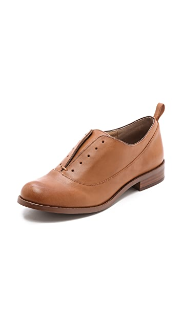 Splendid Orlando Laceless Oxfords