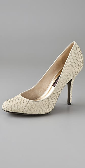 Steven Rampid Pumps