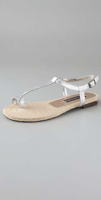 Steven Aris Toe Ring Flat Sandals