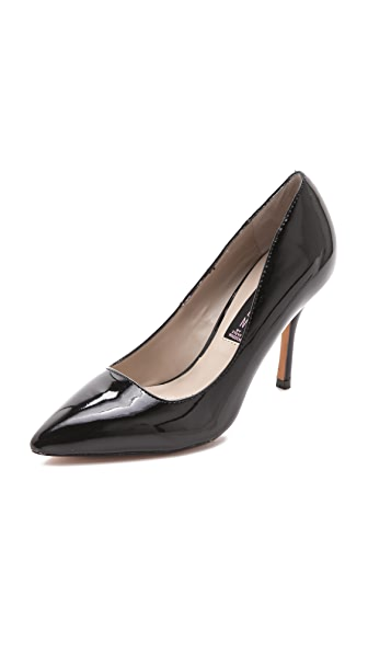 Steven Mikka Pumps
