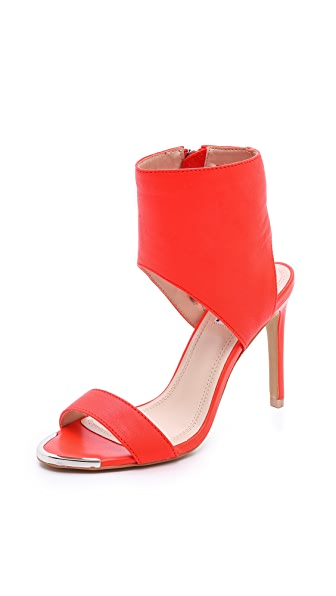 The Blonde Salad Steve Madden Dallas Ankle Cuff Sandals