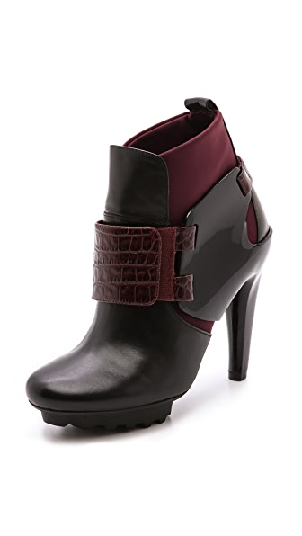 United Nude Winter Eros Curved Heel Booties