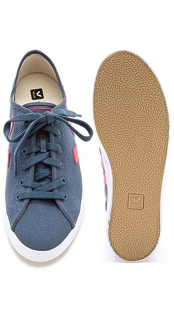 Veja Taua Canvas Sneakers