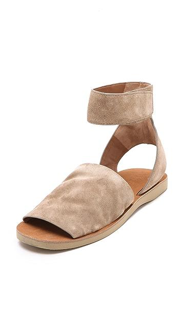 Vince Sadie Flat Sandals