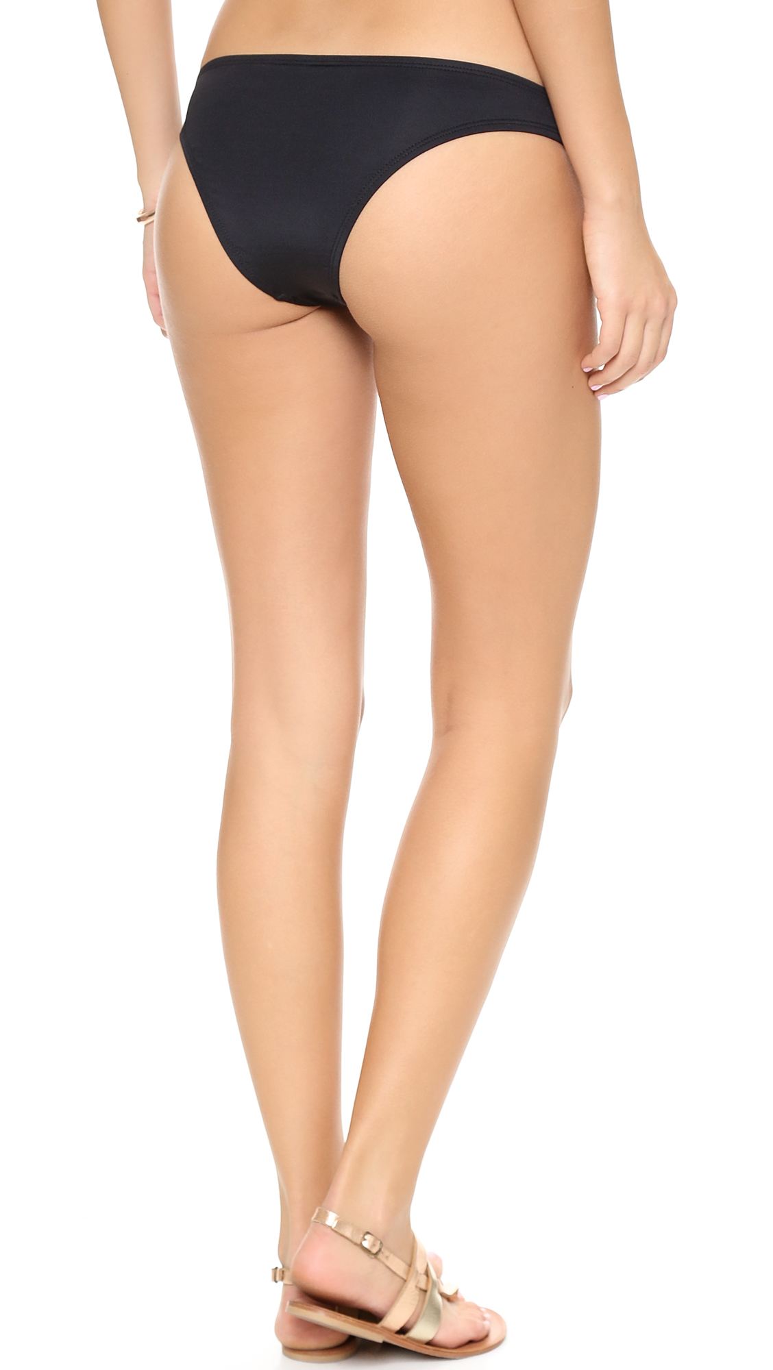 MH Beach Body 8.3: Legs pics