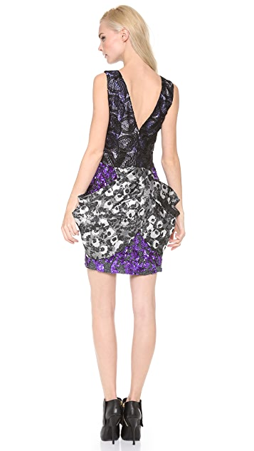 Vera Wang Collection Metallic Sleeveless Dress