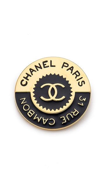 WGACA Vintage Vintage Chanel Rue Cambon Pin
