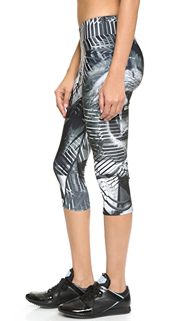 We Are Handsome The Eon Active Capri Leggings
