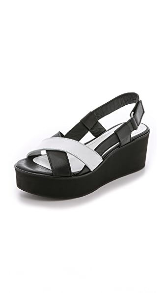Won Hundred Saga Low Flatform Sandals