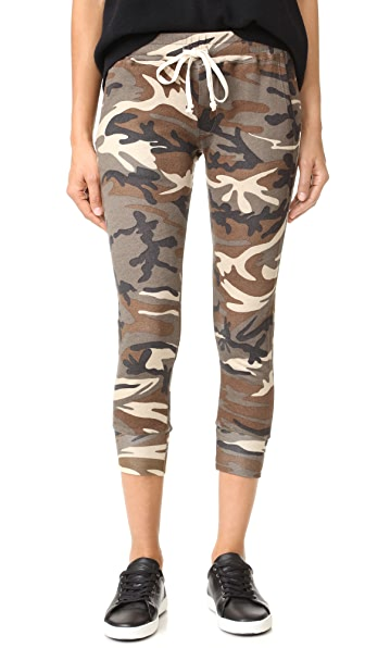 A Fine Line Varsity Pants - Camo