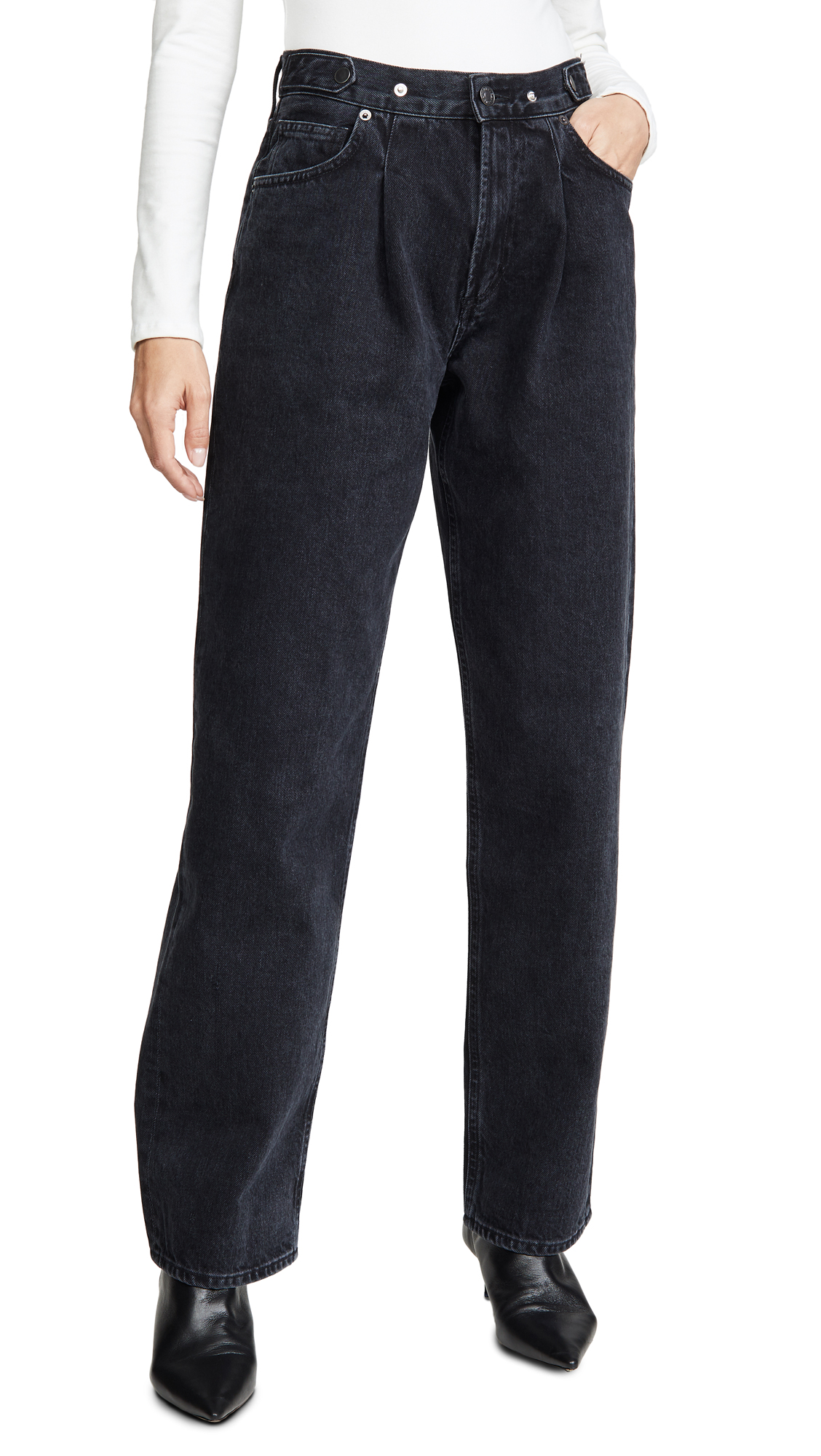Buy AGOLDE online - photo of AGOLDE Pleated Baggy Mid Rise Jeans