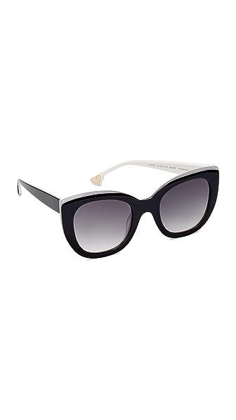 alice + olivia Mercer Sunglasses In Black White/Grey