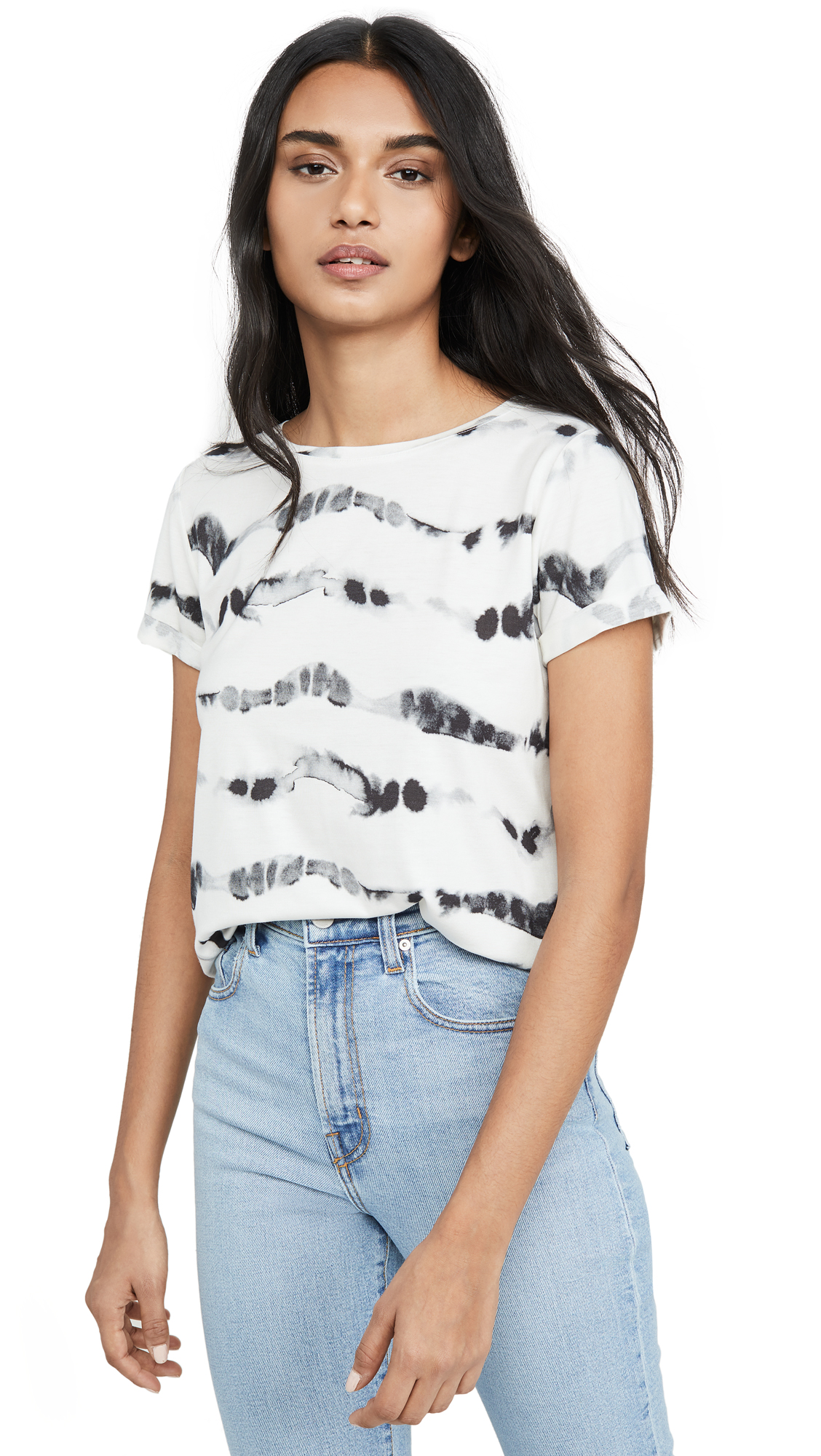 Buy ALICE + OLIVIA JEANS online - photo of ALICE + OLIVIA JEANS Shira Roll Sleeve Tee