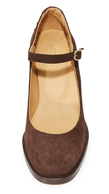 A.P.C. Chaussures Heloise Mary Jane Pumps