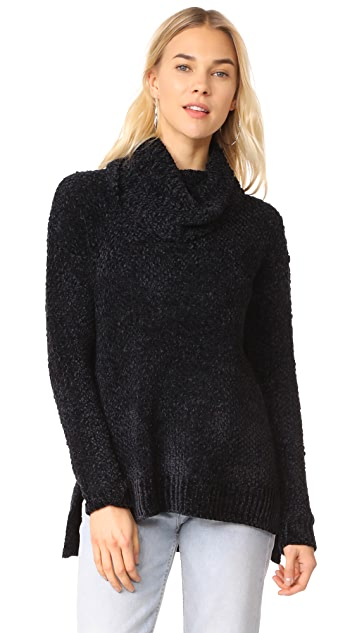 BB Dakota Lexington Turlteneck Sweater