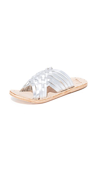 beek Swallow Slides - Silver/Natural