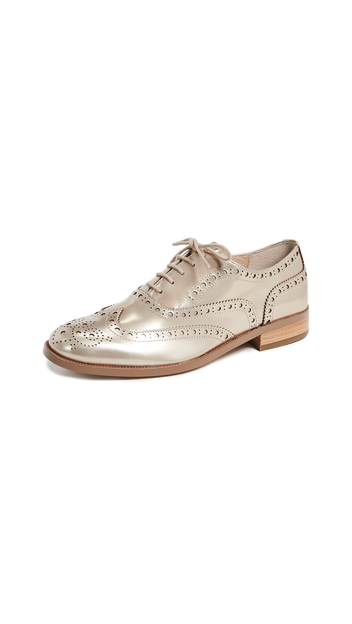 Women'S Callista Metallic Wingtip Oxford Loafers in Gold