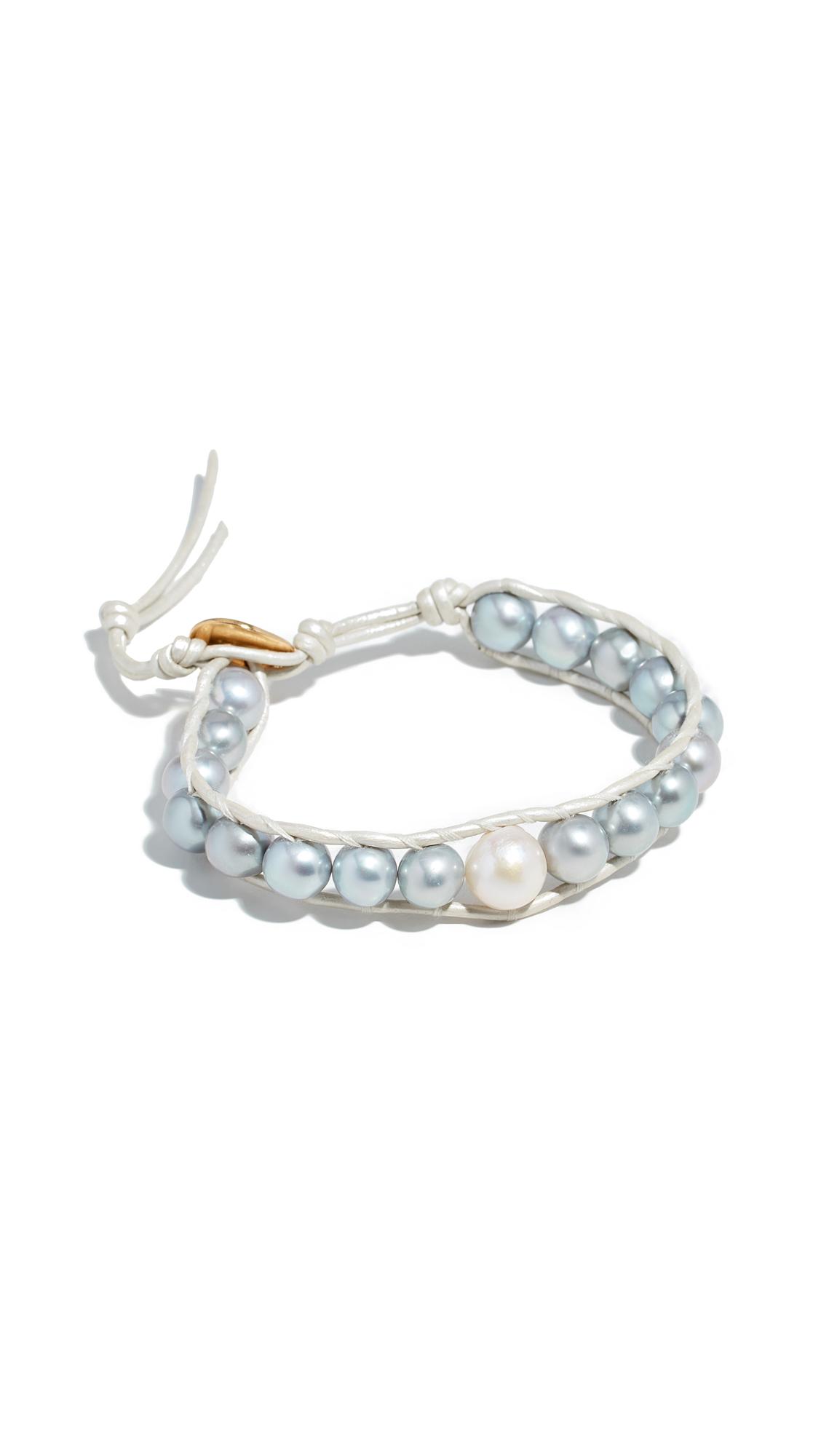 CHAN LUU Cultured Pearl Leather Bracelet in Grey/Pearl