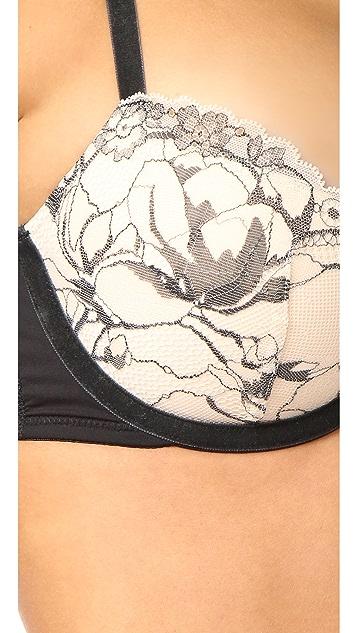 Calvin Klein Underwear Embrace Balconette Push Up Racer Back Bra