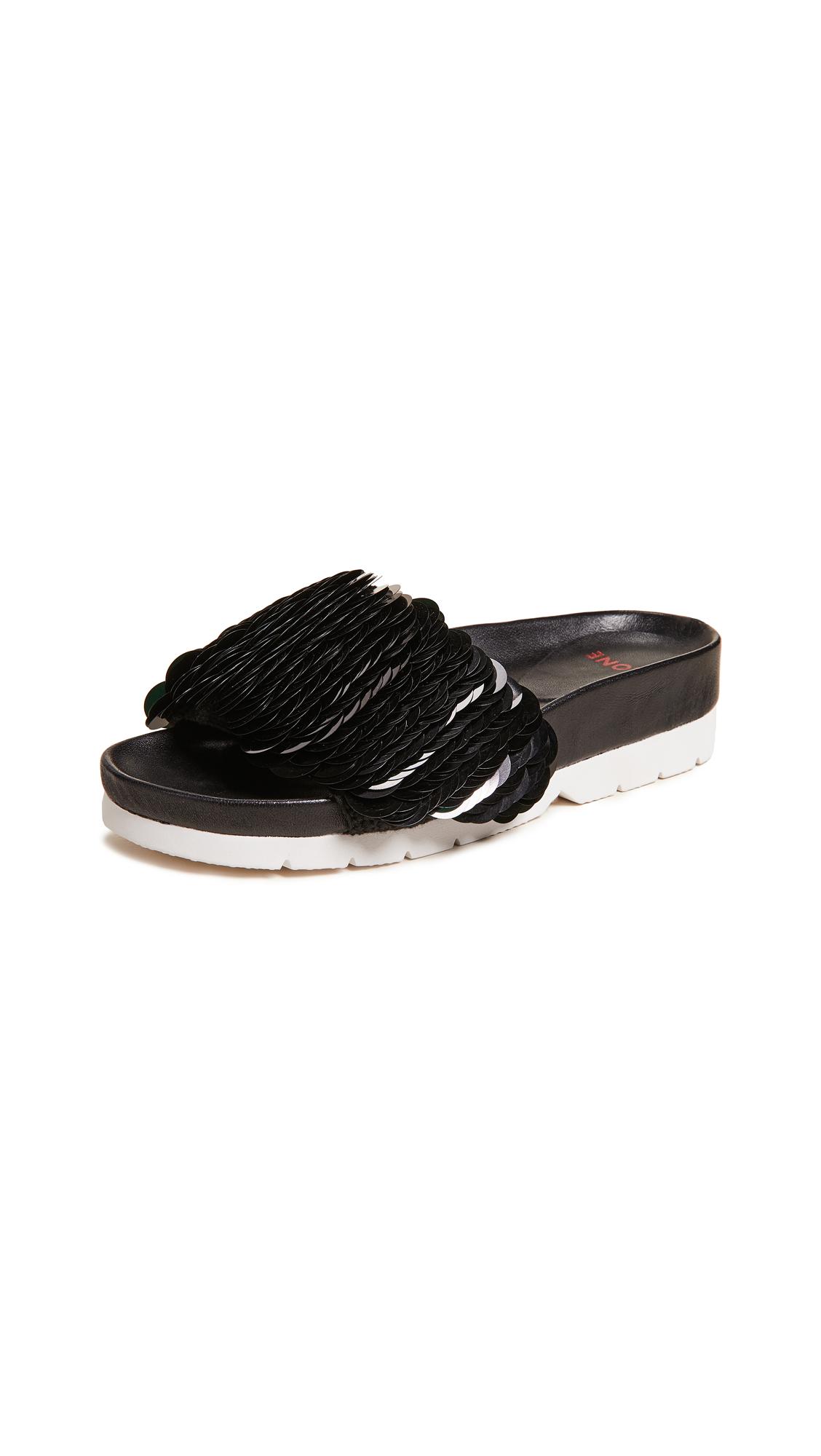 Quartz Sandals in Black