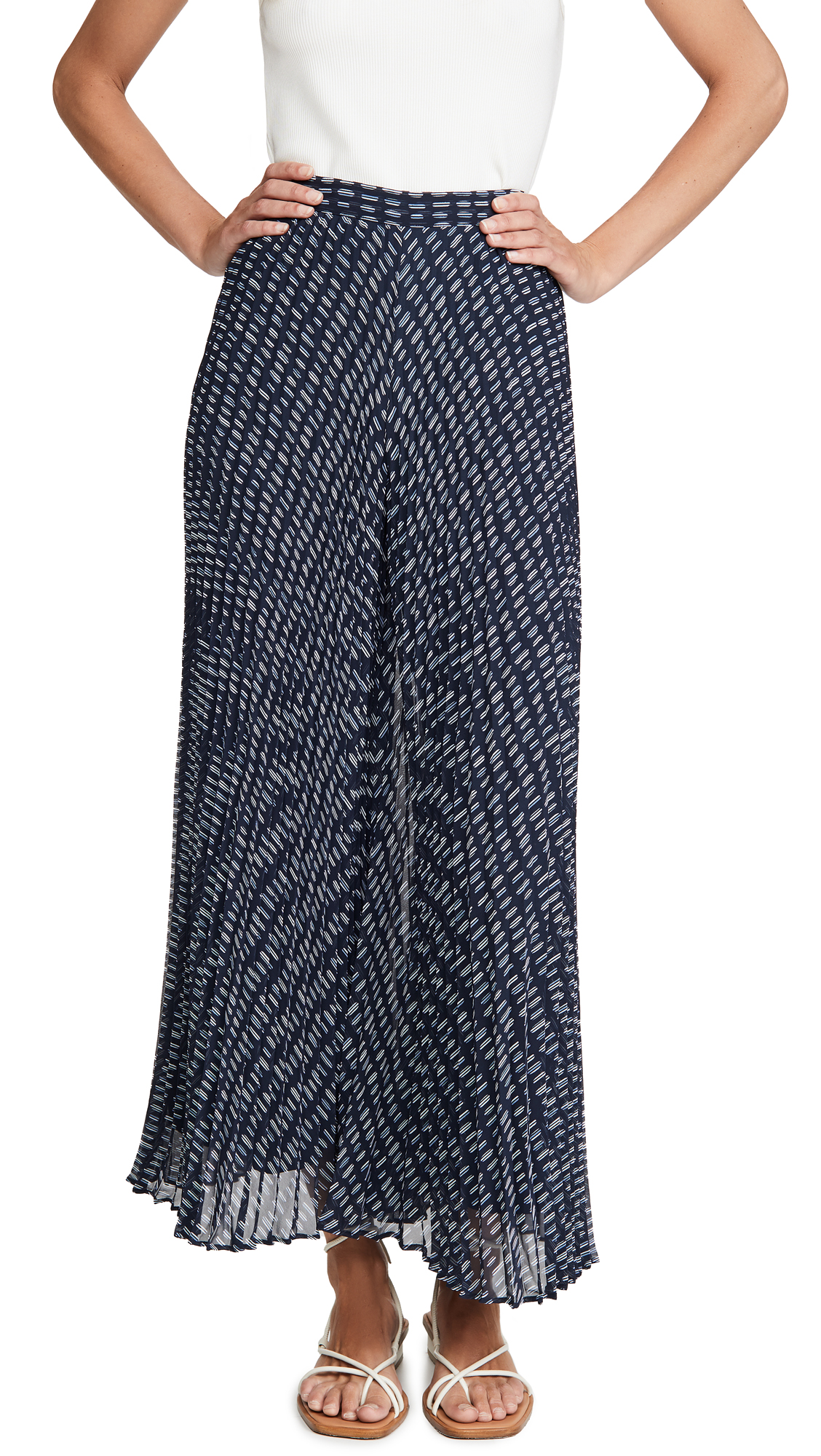 Buy Club Monaco online - photo of Club Monaco Jessyn Pleated Pants
