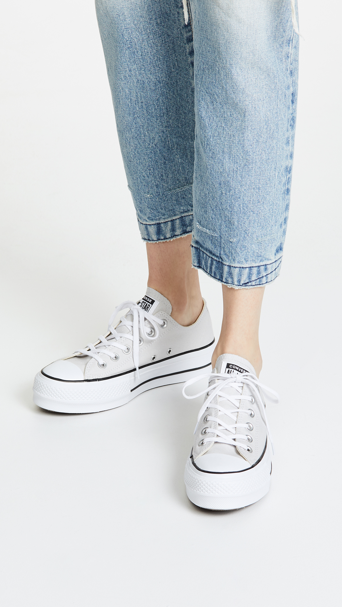 bbecfaf34b36 Converse Chuck Taylor All Star Lift Ox Sneakers