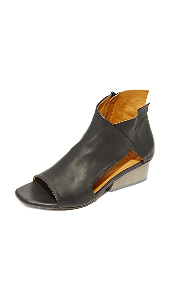 Coclico Shoes Ozark Booties - Black/Gris