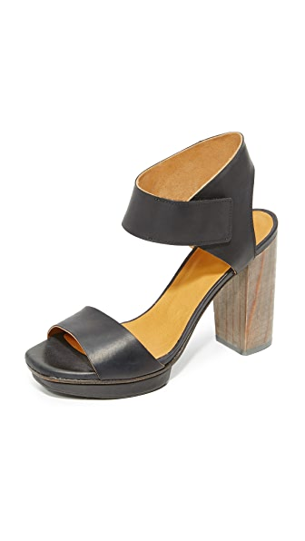 Coclico Shoes Leggy Platform Sandals - Black/Gris