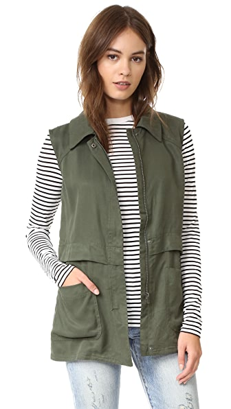 cupcakes and cashmere Adison Vest - Army Green