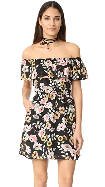cupcakes and cashmere Trenton Everly Floral Dress In Black