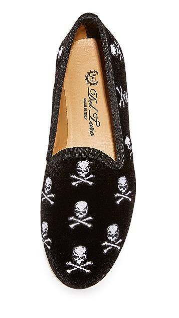 Del Toro Skull & Bones Smoking Slippers