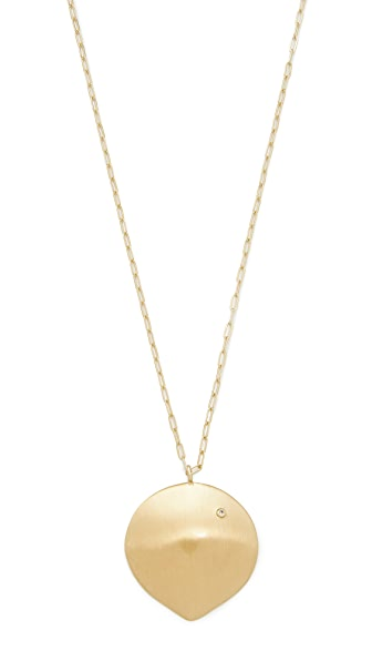 Elizabeth and James Brie Pendant In Gold