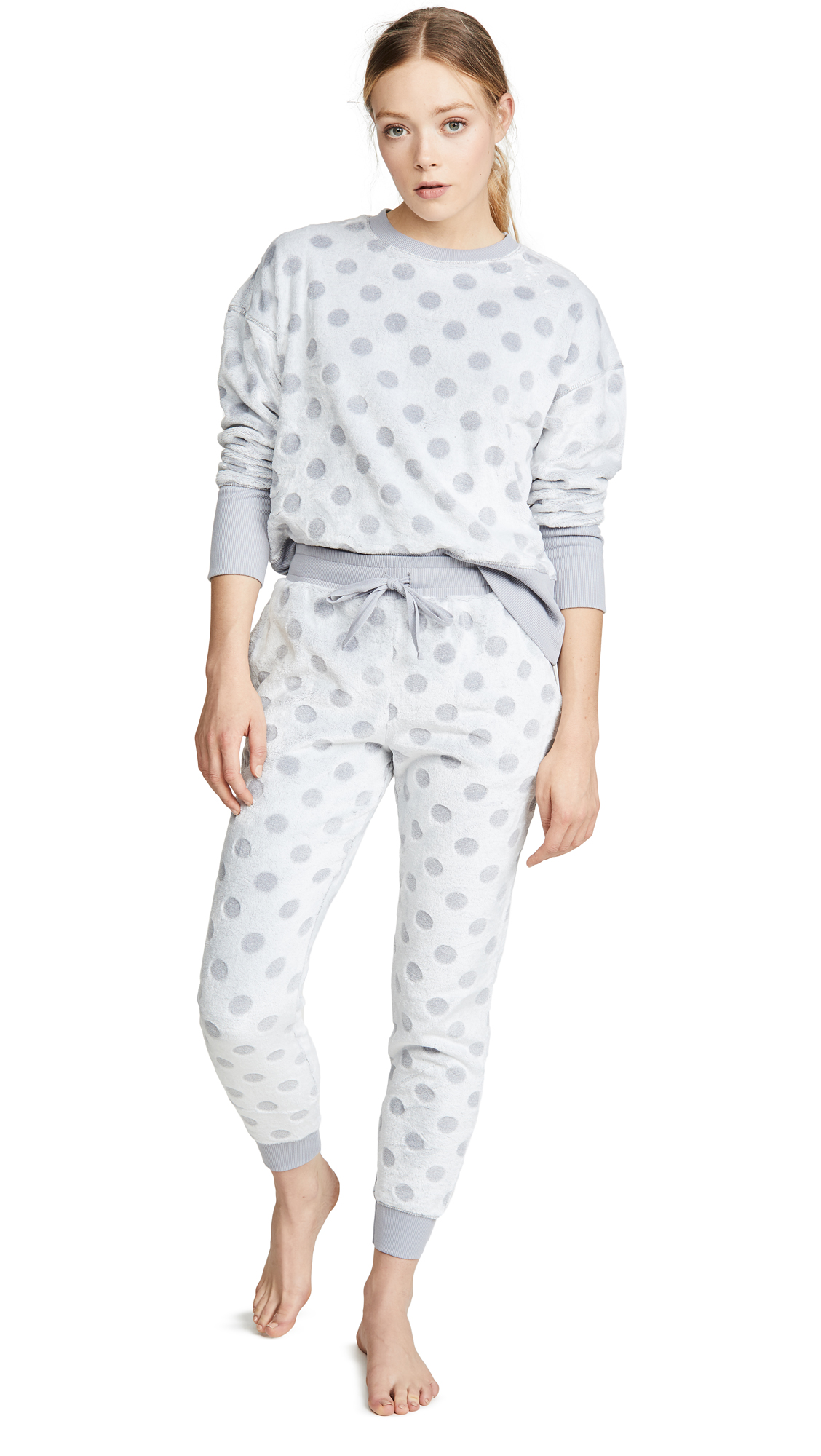 Buy Emerson Road online - photo of Emerson Road Frosted Dot PJ Set