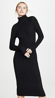 525 Платье-свитер с воротником под горло